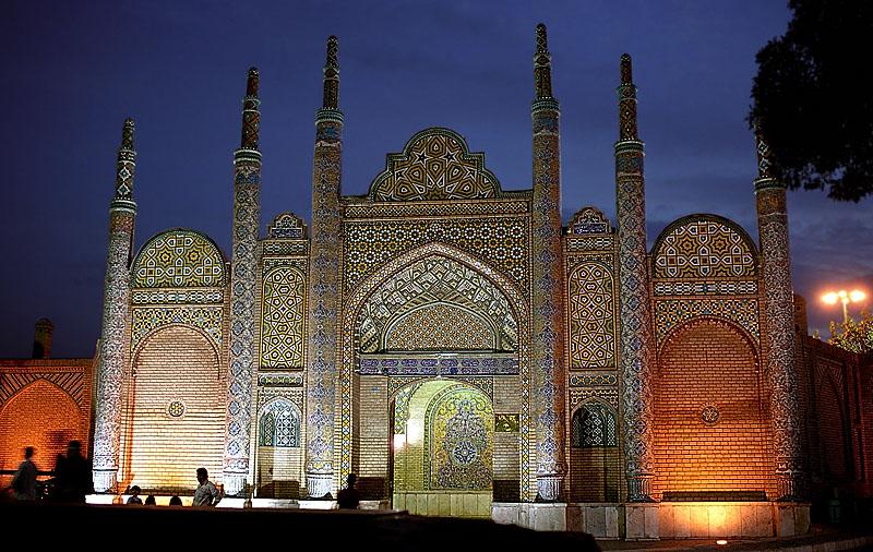 Hamadan_-_Imamzadeh-ye_Hossein_-_gate