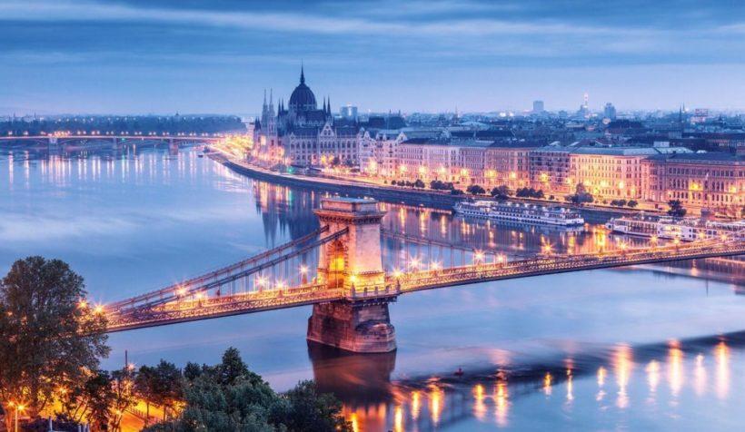 mam-e-MEMEHOLIDAYS-BUDAPEST-SUMMER-FESTIVAL-bud-e1527773088844